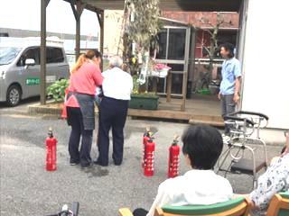 デイ消防訓練1